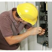 Serviço de manutenção corretiva em disjuntores